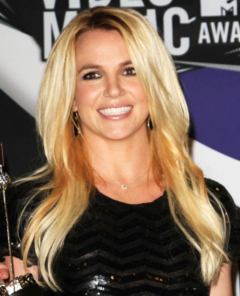 britney-spears-2011-mtv-vmas-press-room-01